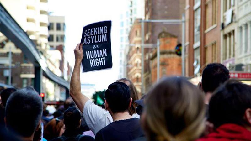 Brutale Abschiebungen in Sachsen: Familie und Gesundheit zählen nichts