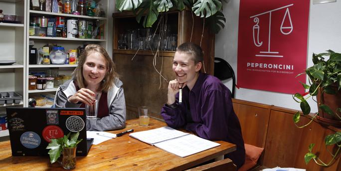 Crowdfunding für Flüchtlingsrechte- die TAZ über Peperoncini