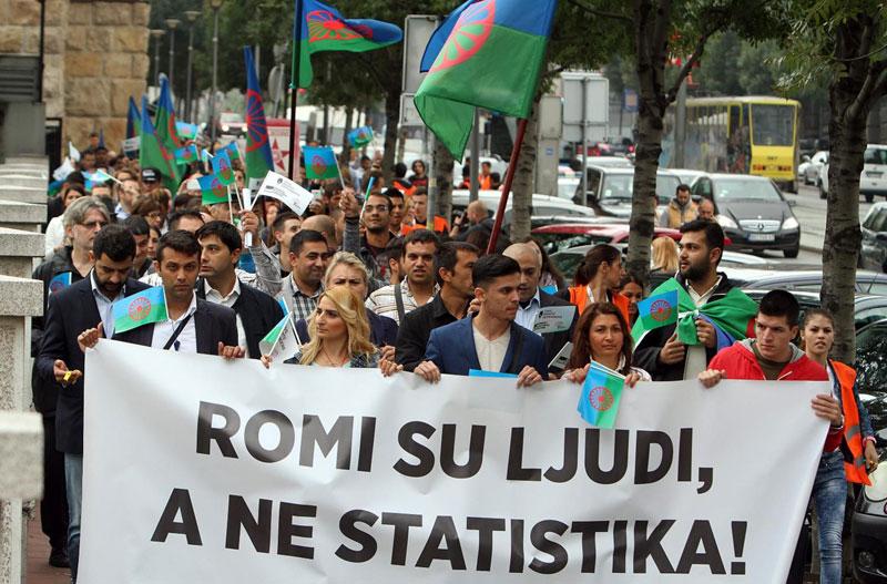 Roma & Romnije werden in Serbien verfolgt (auf deutsch)
